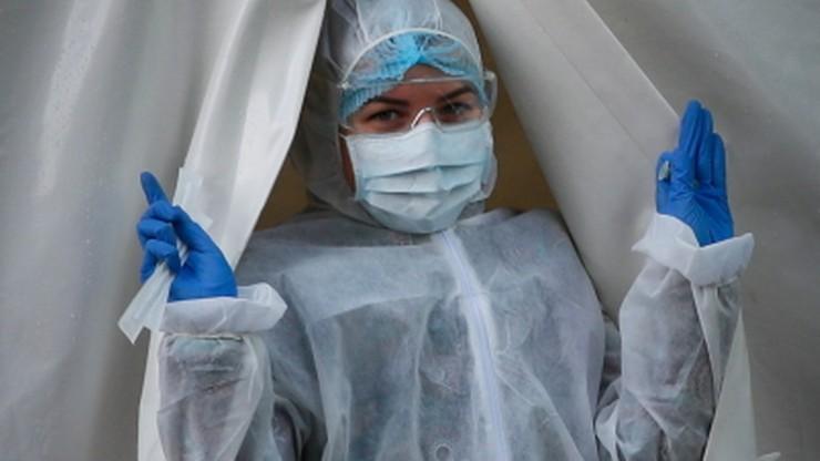 Prawie 300 przypadków koronawirusa w fabryce mebli w Wielkopolsce