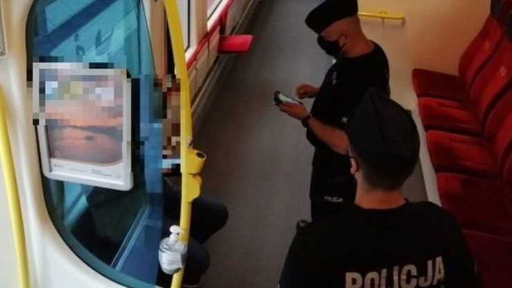 Wrocław: dotkliwie pobił i okradł pasażera w pociągu