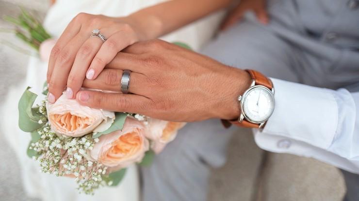Urzędnik udzieli ślubu przez internet. W dobie pandemii stan zmienił przepisy