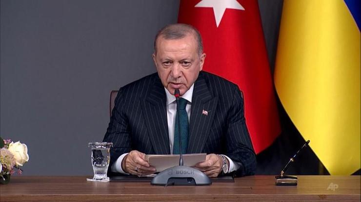 """Erdogan znów """"wysłał"""" prezydenta Francji na badania psychiatryczne. """"Ma obsesję"""""""