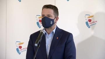 """""""Policja ulega politycznej presji"""". Trzaskowski grozi zawieszeniem wsparcia finansowego"""