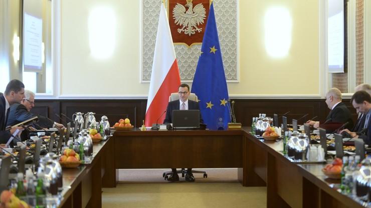 CBOS: Polacy optymistycznie o nowym rządzie Morawieckiego