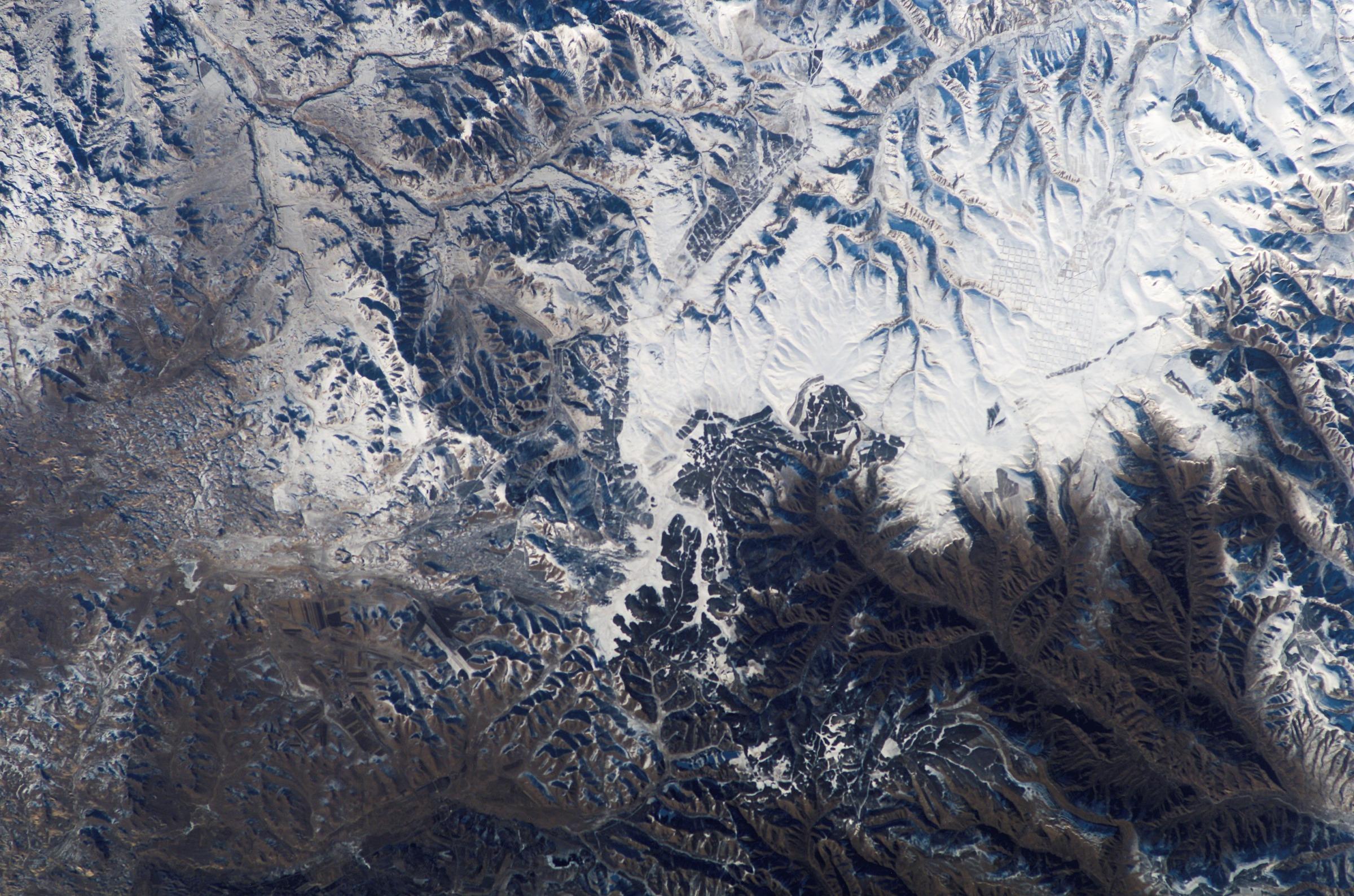Zdjęcie satelitarne Chin, na którym badacze NASA dostrzegli Wielki Mur Chiński