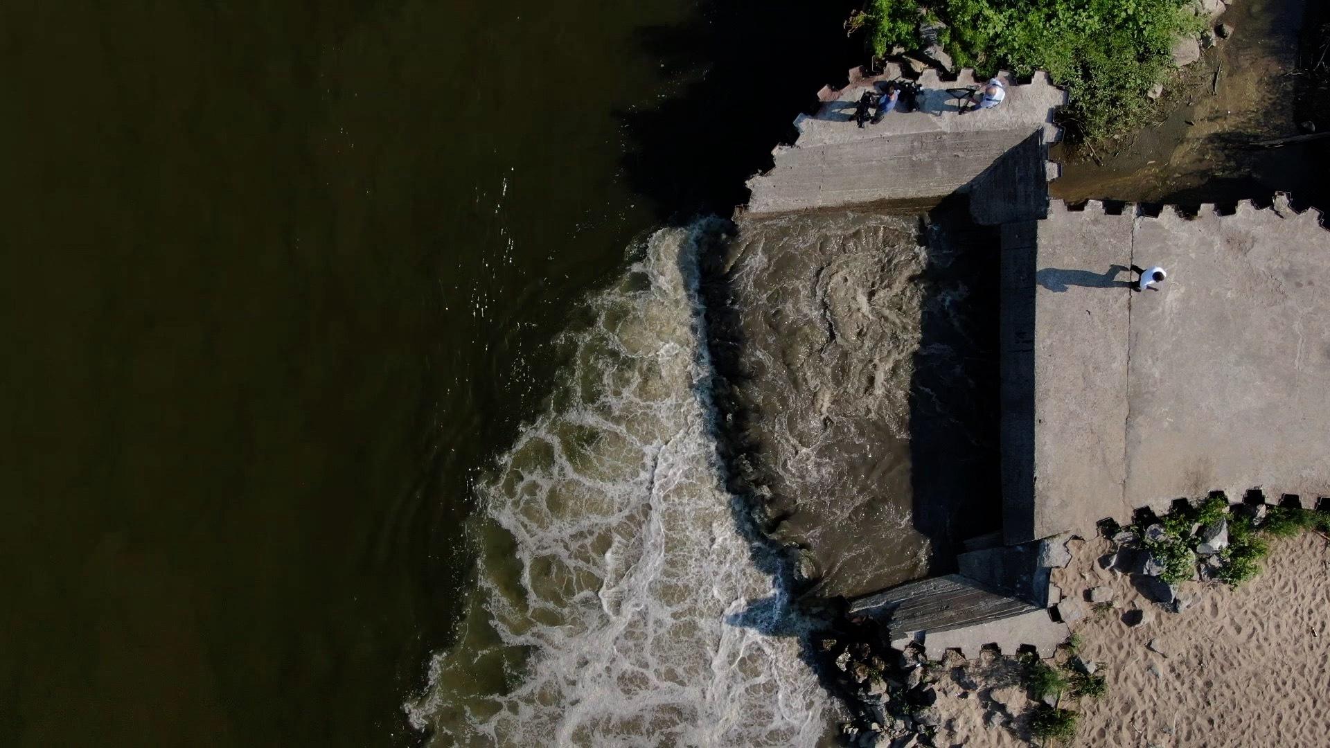 Ścieki z oczyszczalni Czajka wpadają do Wisły. Ratusz zwołał sztab kryzysowy