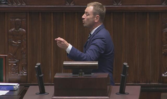 Posłowie o obniżeniu wynagrodzenia parlamentarzystom
