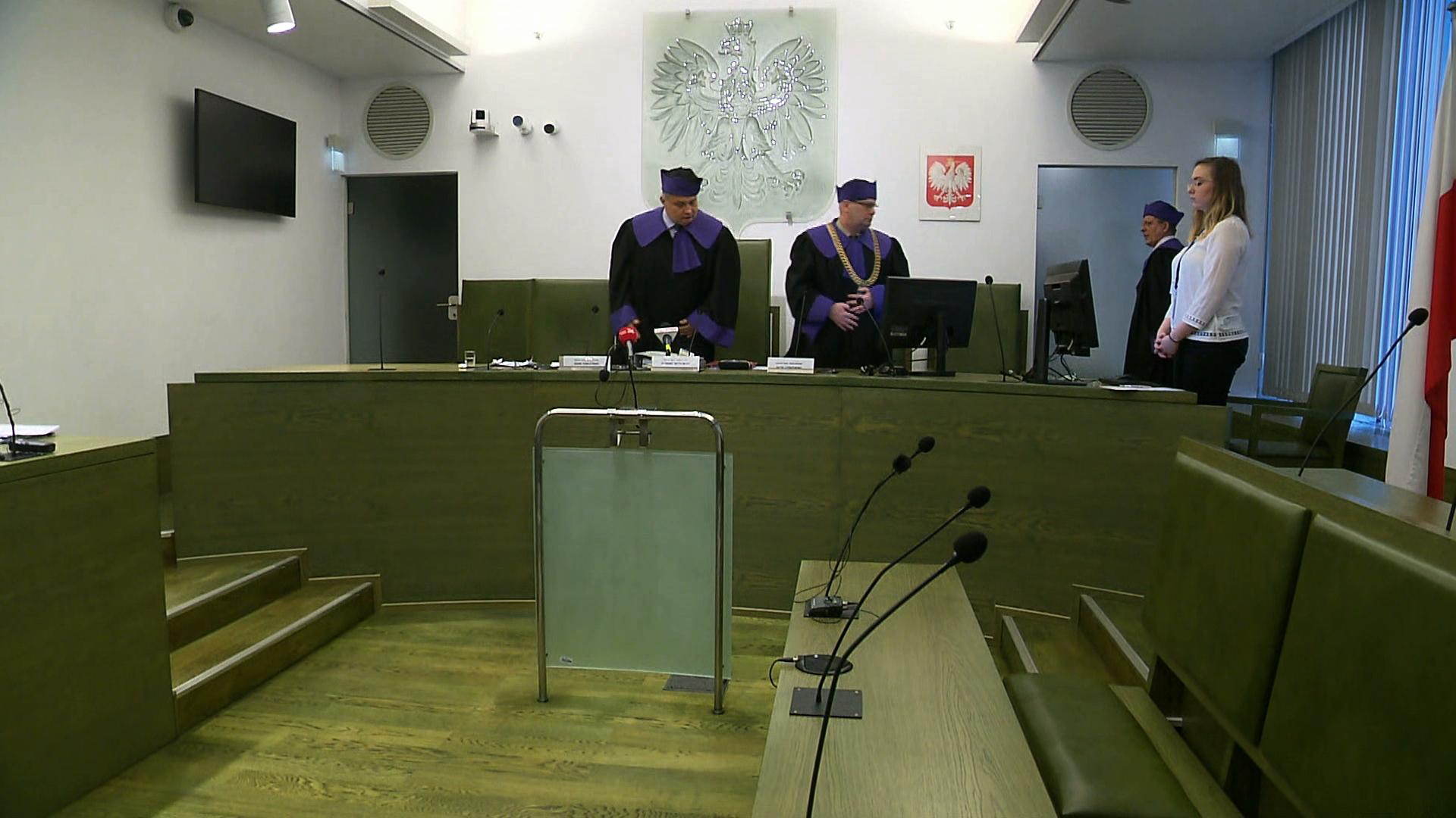 TSUE zawiesza Izbę Dyscyplinarną Sądu Najwyższego