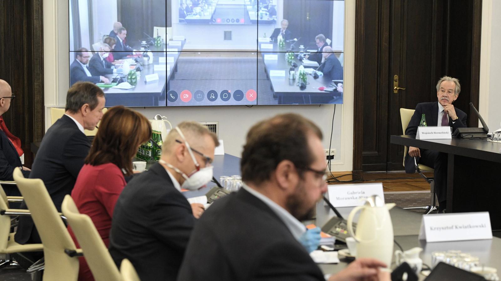 27.04.2020   Konsultacje w Senacie w sprawie wyborów korespondencyjnych