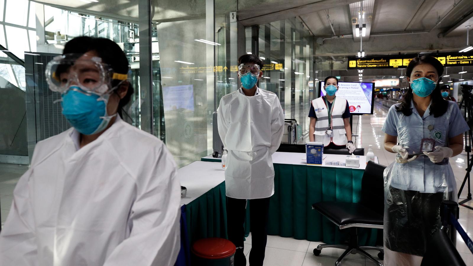 Groźny koronawirus z Chin. Utrudnienia dla milionów pasażerów